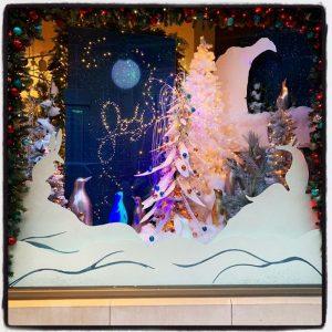 Bromwell's, Cincinnati holiday window display
