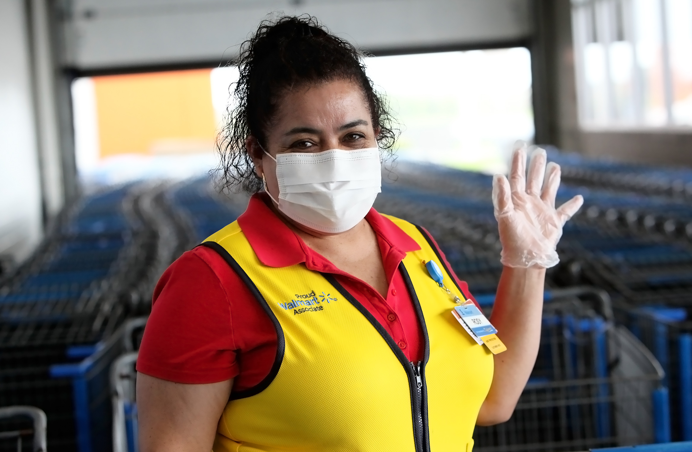 Walmart Reinstates Mask Mandate for Workers