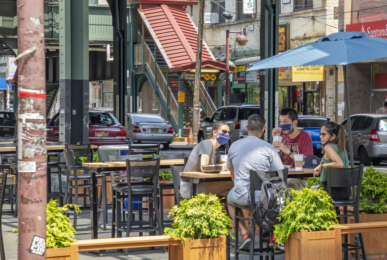 Record-Low NYC Rents Spur Restaurant Resurgence