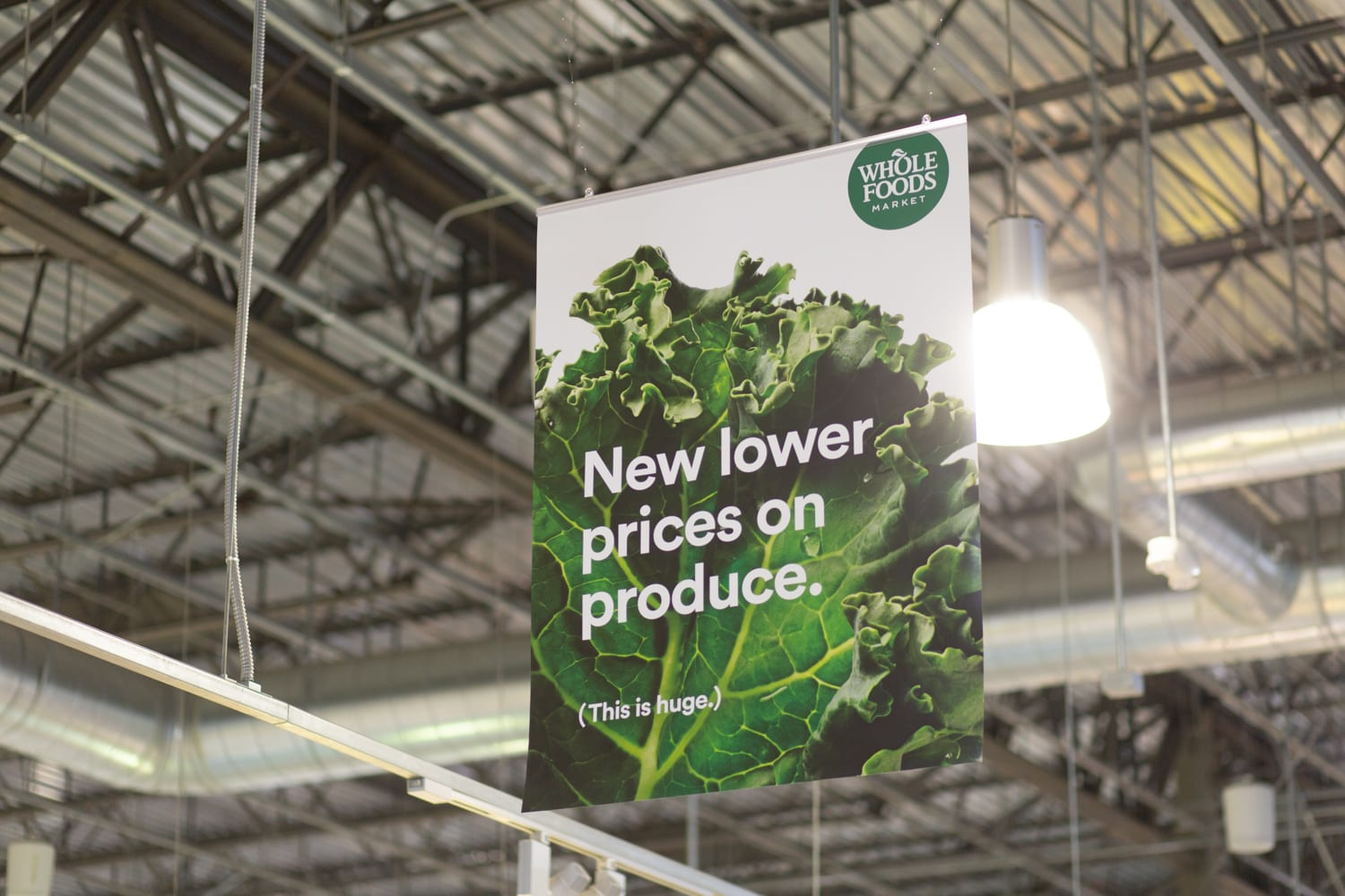Amazon Brings Cashierless Tech to Whole Foods
